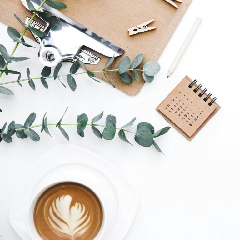 bureau café plantes communication digitale